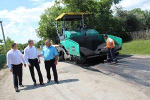 Lucrările de reparație a drumului din comuna Cotova, raionul Drochia.